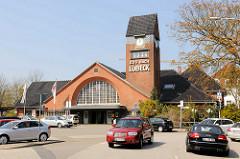 Der Bahnhof Lübeck-Travemünde Strand / Strandbahnhof steht unter Denkmalschutz - der Jugendstilbahnhof wurde 1912 eingeweiht; Architekt Fritz Klingholz.