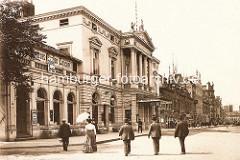 Altes Foto vom Spielbudenplatz - historische Architektur vom Operetten Haus / Operetten Theater, Schild Grosses Garten Concert, Eintritt frei.