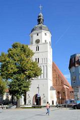 Paul Gerhard Kirche in Lübben ( Spreewald ). Die Kirche wurde zwischen 1494 und 1550 errichtet - von 1669 bis zu seinem Tod 1676 war der Liederdichter Paul Gerhardt an der Kirche als Pfarrer tätig.