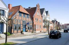 Unterschiedliche Architekturformen, Baustile - Kurgartenstrasse Lübeck Travemünde.
