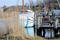 Gothmund Fischereihafen an der Trave bei Lübeck.