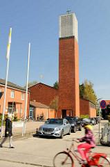 Katholische St. Georg Kirche in Travemünde, geweiht 1963 - Entwurf Architekt Paul Jansen.