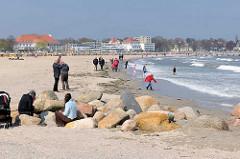 Strand in Lübeck Travemünde - Frühling an der Ostsee.