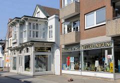 Bäderarchitektur in Travemünde - Wohnhäuser in der Kurgartenstrasse.