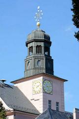 Kupferkuppel - Uhrenturm vom Paul Gerhardt Gymnasium in Lübben, Spreewald.