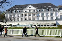 Historische Bäderarchitektur im Ostseebad Travemünde - ehem. Kurhaus.