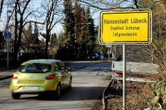 Ortsschild Hansestadt Lübeck, Stadtteil Schlutup / Zollgrenzbezirk.