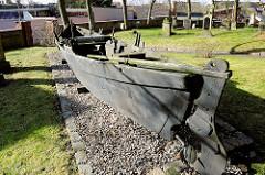 Der Fischerkahn Schlu.2a war 1965 das letzte Fischerboot dieser Art, das in Schlutup zum Fischfang auf der Trave gebaut wurde. Der Kahn wurde bis 1986 benutzt und steht jetzt auf dem Kirchhof der St.-Andreas-Kirche.