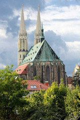 Kirchenschiff und Kirchtürme der Pfarrkirche St. Peter und Paul / Peterskirche in Görlitz - ; zwischen 1425 und 1497 neuerbaute fünfschiffige spätgotische Kirche.