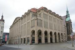 Warenhaus Görlitz - Jugendstilarchitektur; Gesamtnutzfläche von ca. 10 000 Quadratmetern; eröffnet 1913 - Architekt Carl Schumanns, eine Wiedereröffnung ist geplant.