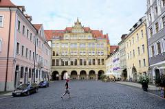Neues Rathaus von Görlitz am Untermarkt - lks. das Hotel Börse; das Neue Rathaus wurde 1903 im Baustil der Neorenaissance fertig gestellt, Architekt Jügen Kröger
