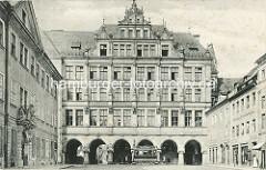 Historisches Bild vom Neuen Rathaus in Görlitz am Untermarkt - lks. das Hotel Börse; das Neue Rathaus wurde 1903 im Baustil der Neorenaissance fertig gestellt, Architekt Jügen Kröger.