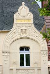Jugenstilarchitektur in Görlitz - Fassadendekor, Stuckelemente im Jugendstil.