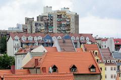 Wohnhäuser, Plattenbau in Zgorzelec - Dächer der Stadt.