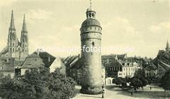 Historische Aufnahme von Görlitz; im Vordergrund der Reichenbacher Turm in Görlitz, mit 49 Metern der höchste der drei erhaltenen Wach- und Wehrtürme von der Görlitzer Stadtbefestigung. Im Hintergrund lks. die Kirchtürme der Görlitzer Pfarrkirche