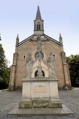 Heilig Kreuz Kirche in Görlitz, erbaut 1853 im Stil der Neuromanik - Architekt Schinkelschüler August  Soller.