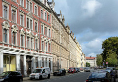 Restaurierte Gründerzeitarchitektur - mehrstöckige Wohnhäuser mit historisierendem Fassadenschmuck in Görlitz.