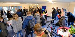 Pressekonferenz in der Frauenabteilung der JVA Billwerder - Justizsenator Till Steffen ( Grüne) stellt das Konzept vor.