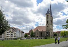 Blick zur St. Martini -  Kirche im gotischen Baustil; Halberstadt - Ursprungsbau aus dem frühen Mittelalter; erstmals 1186 urkundlich erwähnt.