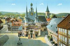 Historische Aufnahme vom Wernigeröder Rathaus - das Gebäude am Marktplatz von Wernigerode wurde 1277 erstmals erwähnt - seit 1497 in der jetzigen Gestalt.