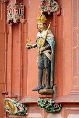 Detail vom 1494 erbauten Kaiser Worth, ehem. Gildehaus der Tuchhändler in Goslar - jetzt Hotel und Restaurant.