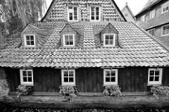 Schieferdach in Goslar / Harz - Dacherker mit Schiefer verkleidet.