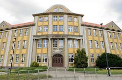 Eingang Schulgebäude Wilhelm Raabe Schule in Wernigerode