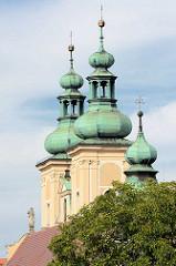 Kirchtürme der Minoritenkirche St. Maria in  Kłodzko / Glatz.