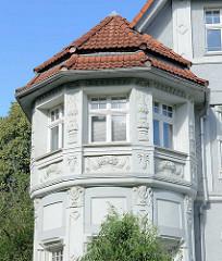 Detail - Erker einer Gründerzeitvilla in Halberstadt - Stuckelemente.