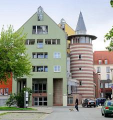 Moderner Neubau - Treppenhaus in einem Turm mit Spitzdach - Innenstadt von Halberstadt.