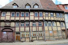 Verfallenes, renovierungsbedürftige Fachwerkhäuser in Halberstadt / Westendorf.