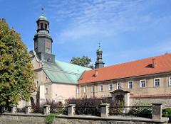 Kirche des hl. George und St. Adalbert  in Kłodzko - Glatz.