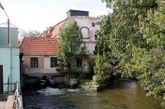 Altes Mühlengebäude am Mühlgraben von Kłodzko - Glatz.