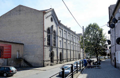 Gebäudekomplex ehem. preussischer Gebäude / Kaserne, Lager + Militärkrankenhaus am Fuss vom Festungsberg in Kłodzko Glatz.