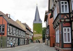 Blick zum Westerntor in Wernigerode, alte Stadtbefestigung an der Westernstrasse.