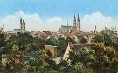 Historisches Panorama von Halberstadt - Kirchtürme der Stadt; lks. die Hauptkirche St. Martin, re die Liebfrauenkirche - in der Bildmitte der eer evangelische Dom St. Stephanus und St. Sixtus.