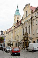 Historische Altstadt von Świdnica / Schweidnitz; re. die Pfarrkirche St. Joseph; erbaut 1754–1772 - Architekt Wenzel Mattausch;  Baustil  Spätbarock.