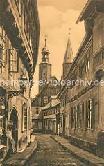 Historische Ansicht von der Marktstrasse in Goslar - Kirchtürme der Kirche Marktkirche St. Cosmas und Damian; Rats- und Hauptpfarrkirche der Stadt.
