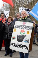 Hamburger Ostermarsch 2016 - Motto: Keine Bundeswehreinsätze im Ausland! Syrieneinsatz beenden! Rüstungsexporte stoppen! Flüchtlinge aufnehmen! Fluchtursachen bekämpfen!