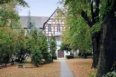 Friedenskirche in Świdnica, Schweidnitz; alst größte Fachwerkkirche in Europas steht das Gebäude auf der Weltkulturerbe-Liste der UNESCO. Die Schweidnitzer Kirche wurde nach einem Entwurf des Breslauer Architekten Albrecht von Saebisch (1610–1688) ge