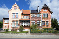 Villenviertel in Blankenburg / Harz; Doppelvilla, Baustil Gründerzeit.