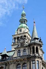 Rathausturm und Eckgiebel in Kłodzko / Glatz; Baustil Neorenaissance, errichtet 1890 - Architekt Ewald Berger.