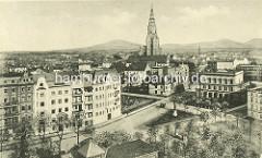 Historischer Blick vom Wasserturm über die Dächer der Stadt Świdnica - Schweidnitz .