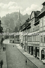 Historisches Motiv von der Tränkestrasse in Blankenburg - Blick zum Blankenburger Schloss und Kirchturm der St. Bartholomäus Kirche.