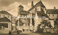 Historisches Bild der Katholische Pfarrkirche Mariä Himmelfahrt - Kościół Wniebowzięcia Najświętszej Maryi Panny in Glatz / Kłodzko - errichtet ab 1390.