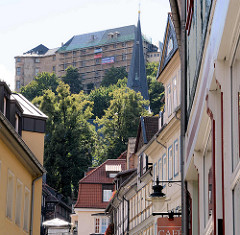Tränkestrasse in Blankenburg - Blick zum Blankenburger Schloss und Kirchturm der St. Bartholomäus Kirche.