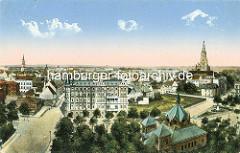 Historisches Schweidnitz - colorierte Luftaufnahme; lks. der Rathausturm, re. der Kirchturm der Stadtpfarrkirche St. Stanislaus und Wenzel (Kościół ŚŚ. Stanisława i Wacława)