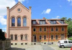 Klaussynagoge in Halberstadt, Rosenwinkel - erbaut Mitte des 19. Jahrunderts als Synagoge mit Lehrhaus; jetzt Sitz der Moses Mendelssohn Akademie.