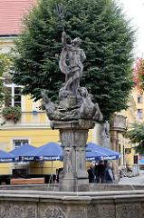 Neptunbrunnen in der  Altstadt von Świdnica / Schweidnitz.