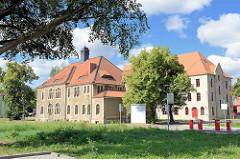 Ehem. Kavalleriekasern am Ebereschenhof in Halberstadt - die Gebäude stehen unter Denkmalschutz.